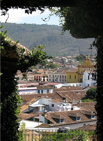 http://www.nvisible.com/nvisiblegraphics/ph/10/Chiapas/SanCristobal-1.jpg